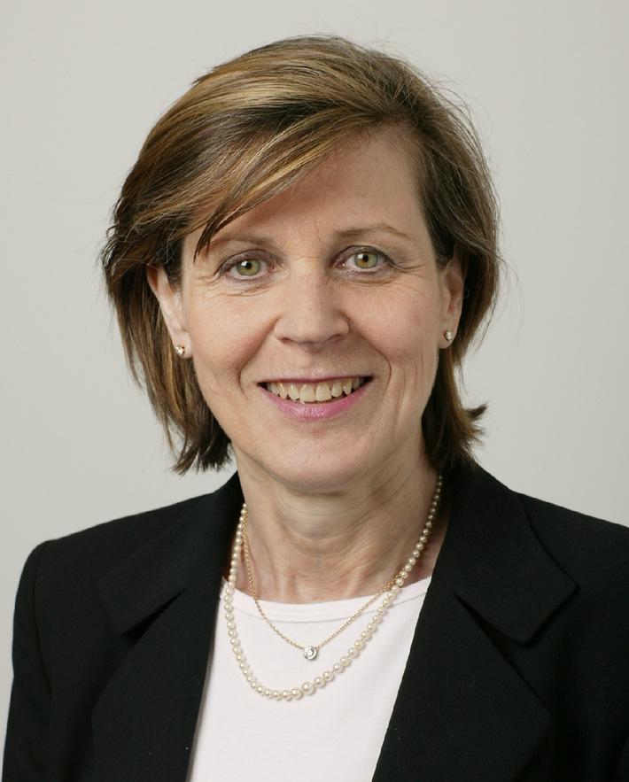 Elisabeth Kruck nouvelle responsable du siège de KPMG à Zoug et Reto Zemp, l'ancien responsable, part à Zurich.