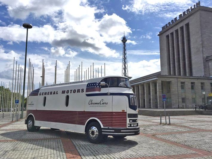 Futurliner auf der MOTORWORLD Classics Berlin - ChromeCars präsentiert einzigartigen futuristischen Bus
