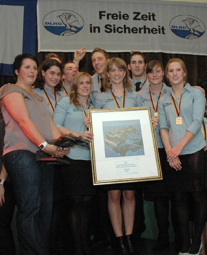 DLRG Nationalmannschaft verteidigt Deutschlandpokal im Rettungsschwimmer (mit Bild)