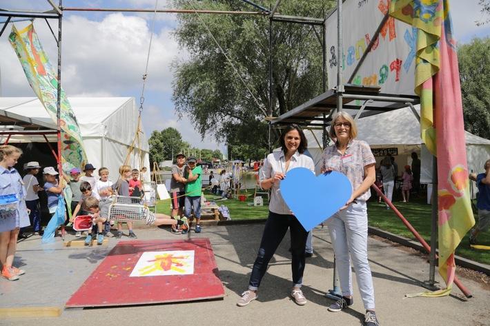 "CHECK24 ist Hauptsponsor der Kinderferienakademie ""Kunst & Krempel"""