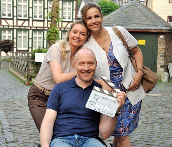 """Das Erste / Drehstart zur Fortsetzung der ARD-Degeto-Reihe """"Ausgerechnet Eifel"""" mit Rebecca Immanuel und Simon Schwarz in den Hauptrollen"""