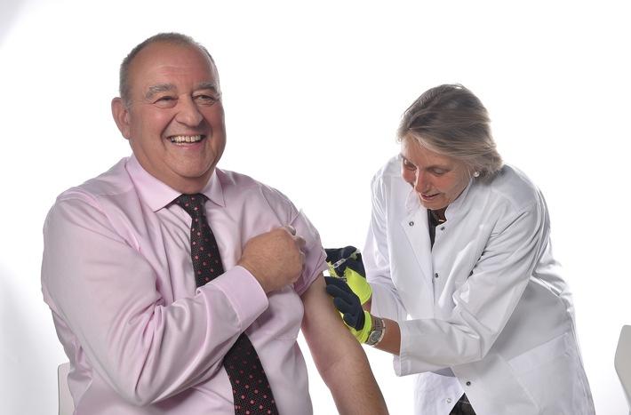 Grippe: DAV-Vorsitzender Becker ruft zur Grippe-Impfung auf und bestätigt solide Impfstoffversorgung