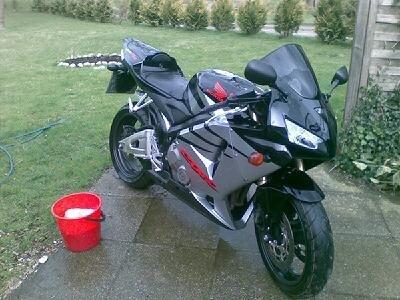 POL-SE: Ellerau - Motorrad entwendet - Zeugen gesucht!