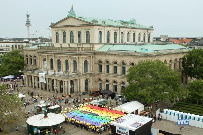 Liebe ist kein Verbrechen! - Amnesty-Jahresversammlung in Hannover setzt Zeichen für die Rechte von LGBTI