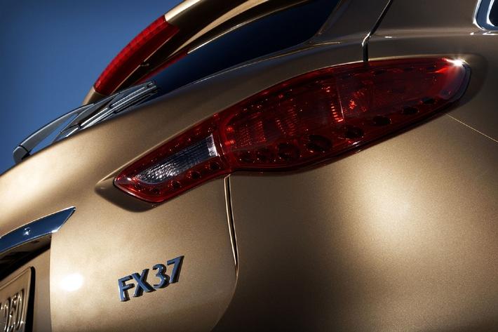Dann waren es endlich fünf - FX37 mit kraftvollem V6-Motor rundet europäische Infiniti-Modellpalette ab