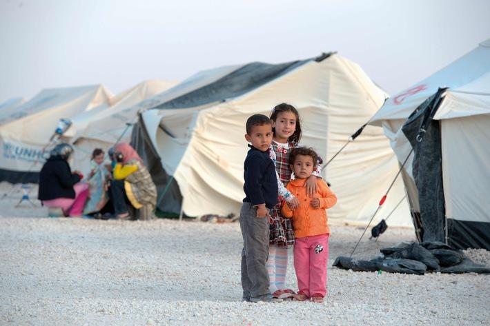 Caritas zum Weltflüchtlingstag: Lasten gerechter verteilen, Chancen besser nutzen - Entwicklungsländer entlasten - Legale Wege der Zuwanderung eröffnen