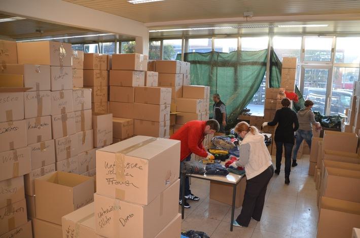 Ford mit eigener Flüchtlingshilfe: 65 Tonnen Sachspenden gesammelt