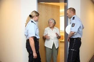 POL-REK: Unbekannter forderte Geld - Pulheim