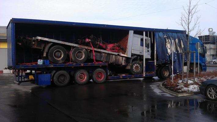 POL-MFR: (281) Lkw transportierte Lkw - Bildveröffentlichung