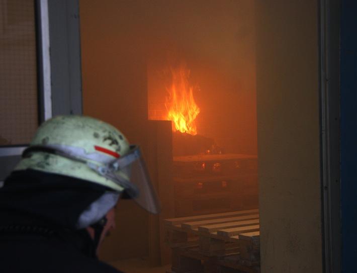 FW-E: Feuer in Werkstattgebäude Heimstadt Engelbert