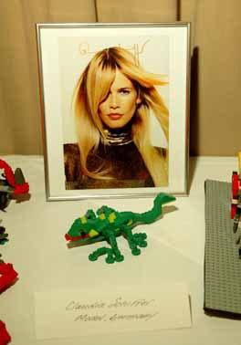 """LEGO pose la question: """"Et toi, Qu'as tu imaginé?"""" Claudia Schiffer, Sophia Loren et bien d'autres personnalités internationales ont donné leur réponse"""