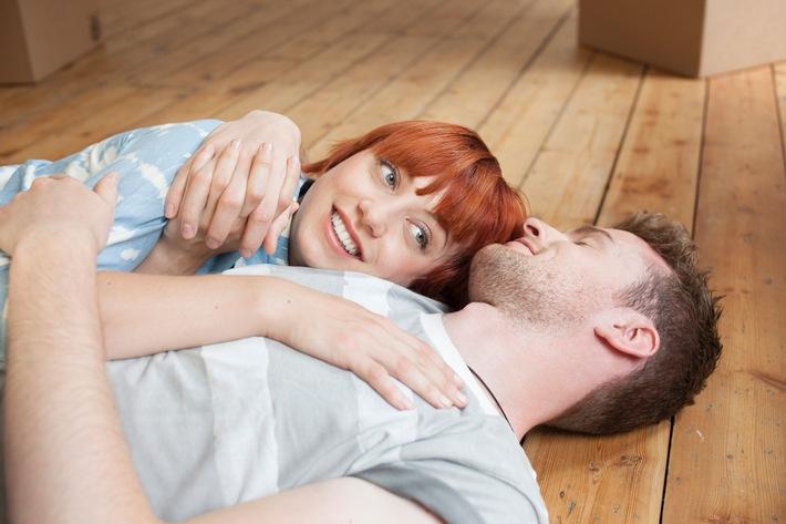Valentinstag: Liebe bekennen, zusammenziehen, Geld sparen