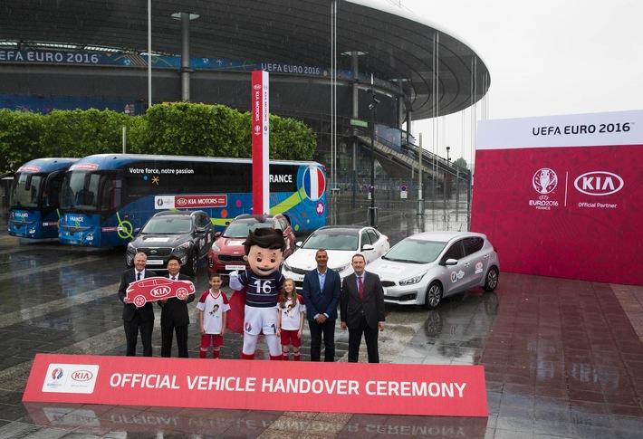 Kia übergibt Fahrzeugflotte für Fußball-EM