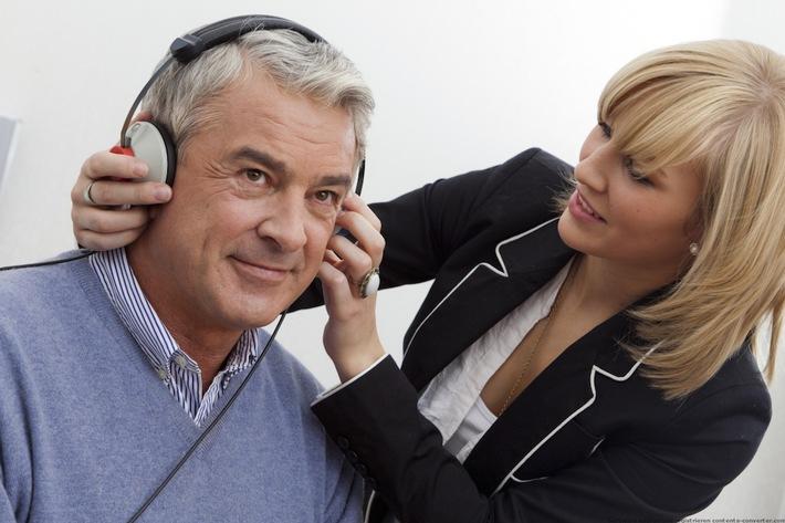Gutes Hören bedeutet Lebensqualität - Im April startet wieder die große Hörtour der Fördergemeinschaft Gutes Hören