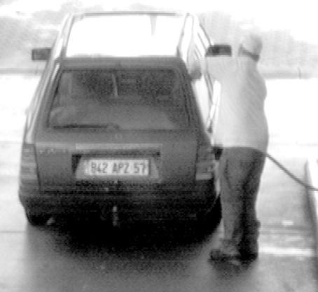 POL-F: 090825 - 1064 - Niederrad:  171 Liter Sprit in einem Pkw geklaut (Fotos beachten!!)