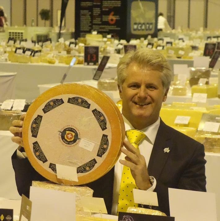L'affineur suisse Walo de Mühlenen une nouvelle fois distingué à l'occasion du World Cheese Award 2015 avec 2 fromages classés parmi les 16 meilleurs et un total de 12 prix remportés