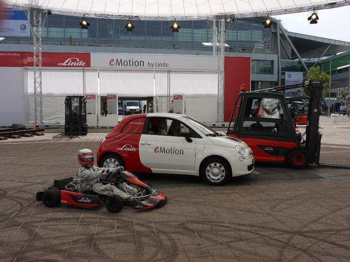 Elektromobilität: Heute schon machbar und bezahlbar / Linde Material Handling stellt Nachrüstlösungen für E-Fahrzeuge vor