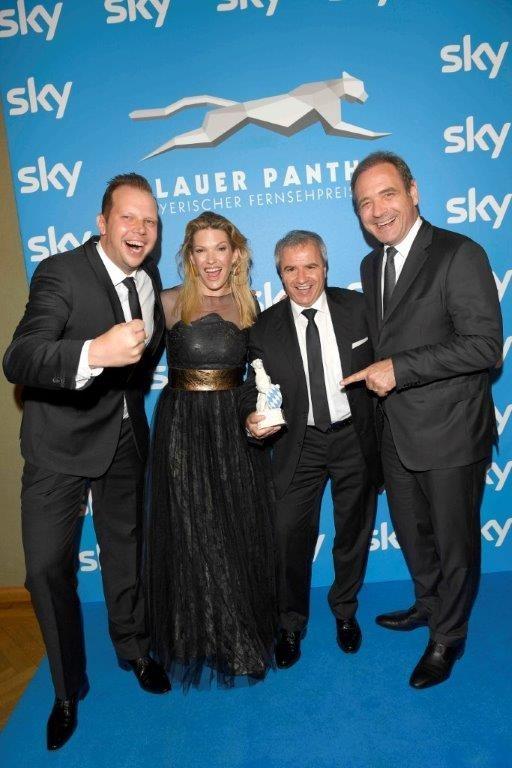 """28. Bayerischer Fernsehpreis: Sky Bundesliga Konferenz mit """"Blauem Panther"""" geehrt"""