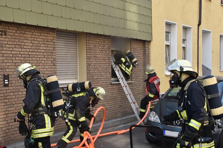 FW-DO: Innenstadt-Nord: Feuerwehr rettet eine Person aus brennender Wohnung.