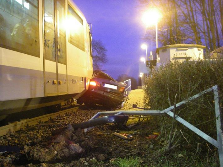 POL-DN: Autofahrer übersah Rurtalbahn