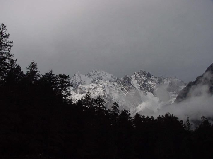 Jumelage d'amitié entre le Cervin (Zermatt) et Yulong Snow Mountain (Lijiang, Chine)