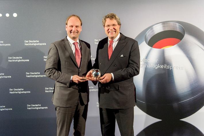 Miele gewinnt Deutschen Nachhaltigkeitspreis / Lange Lebensdauer setzt Signal in der Branche (BILD)