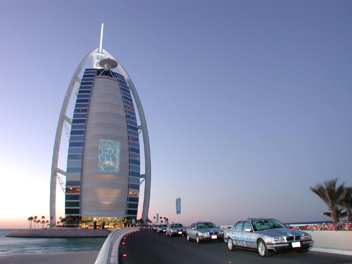Wasserstoff im Ölemirat: Die CleanEnergy WorldTour 2001 beginnt in Dubai / Sheik Mohammed Bin Rashid Al Maktoum übernimmt Schirmherrschaft