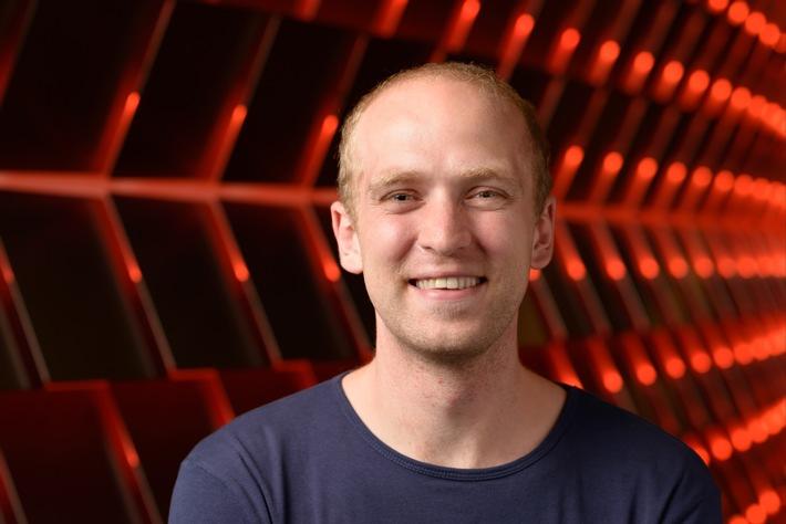 Auszeichnung für Digitalkiosk: Blendle-Gründer Marten Blankesteijn bekommt scoop Award 2015