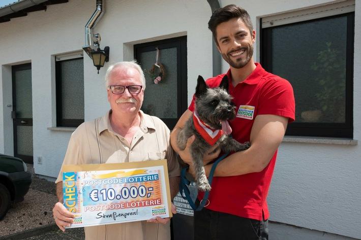 Nohfelder gewinnt 10.000 Euro - und bekommt tierischen Besuch