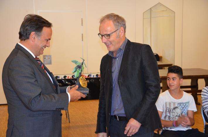 ASB zeichnet Reinhold Beckmann aus und ehrt 1,2 millionstes Mitglied / Abendveranstaltung zur 19. Bundeskonferenz