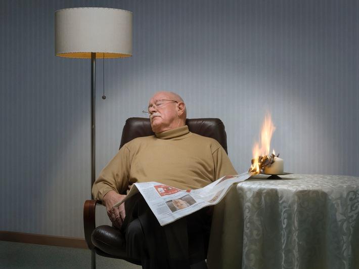 """Ältere Menschen bei Wohnungsbränden besonders gefährdet / """"Rauchmelder retten Leben"""" entwickelt Checkliste zur Brandprävention für Senioren."""