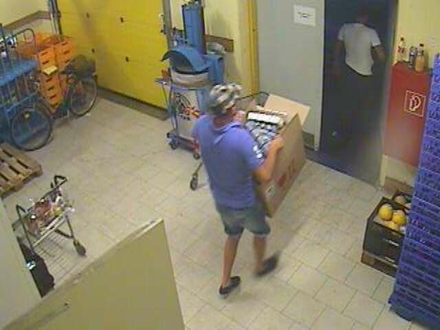 POL-HAM: Korrektur: Öffentlichkeitsfahndung nach Diebstahl mit Fotos