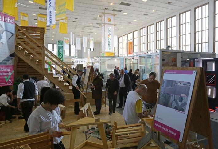 Astreiner Auftritt: bautec 2016 präsentiert Werkstoff Holz mit vielen Gesichtern / Internationale Baufachmesse zeigt Facettenreichtum von Holz und nachwachsenden Rohstoffen