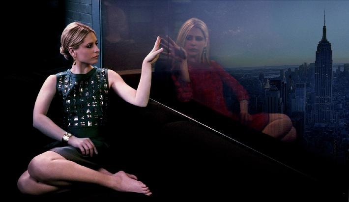 """Es kann nur eine leben. """"Buffy""""-Star Sarah Michelle Gellar in ihrem Mystery-Hit """"Ringer"""" ab 29. November 2012 als Deutschland-Premiere auf sixx"""
