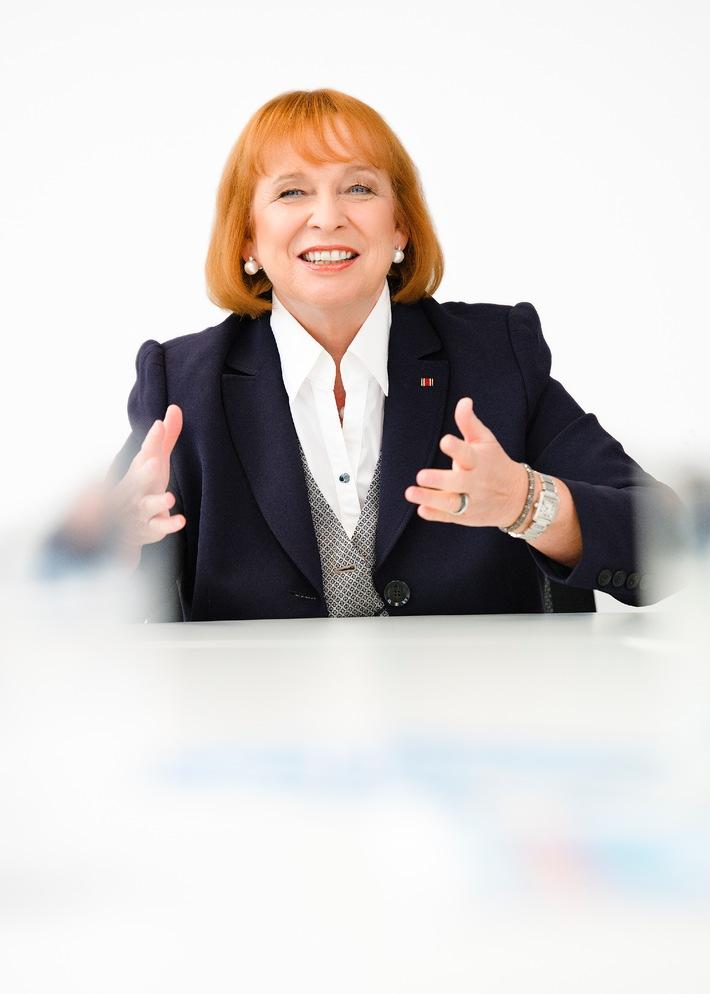 """Branchensieger unter den Arbeitgebern """"Personaldienstleistungen"""" / In einer Studie im Auftrag des FOCUS belegt Hofmann Personal den ersten Platz bei den mittelgroßen Dienstleistungsunternehmen"""