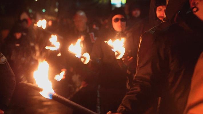 SWR-Recherchen: Waffenscheine für Neonazis - trotz Warnung durch Verfassungsschützer