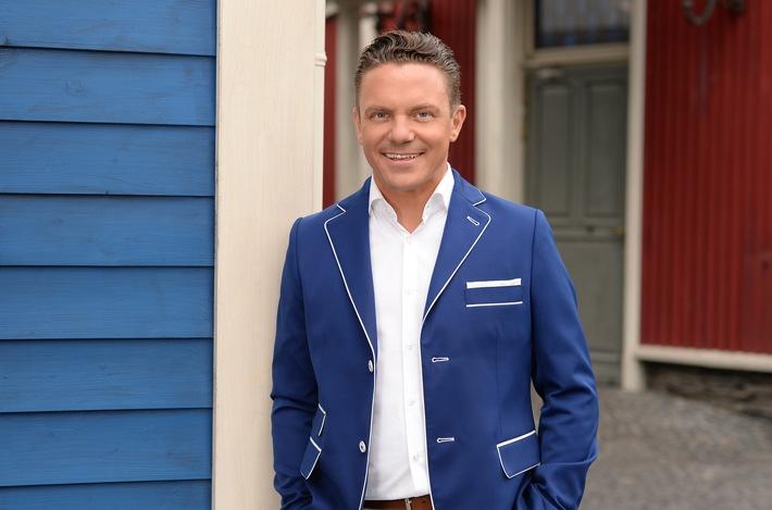 """""""Immer wieder sonntags"""": ARD erhöht die Anzahl der Folgen Stefan Mross präsentiert die SWR Show im Ersten auch im nächsten Jahr / Zahl der Live-Ausgaben erhöht sich 2018 auf 16 pro Saison"""