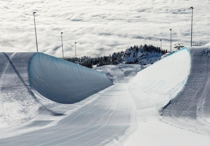 """LAAX pour la troisième fois meilleure station de ski suisse / La destination phare des amateurs de freestyle remporte pour la troisième fois l'"""" Oscar dans le secteur du tourisme """""""