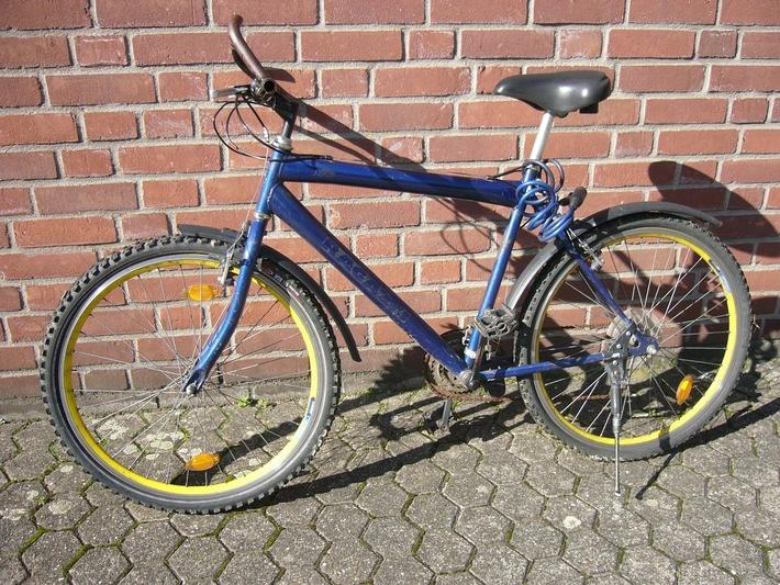 POL-DN: 06101202Zurück gelassene Fahrräder im Bild