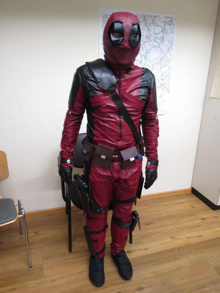 """POL-PPTR: """"Spiderman"""" sorgt für Polizeieinsatz in der Innenstadt"""