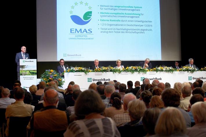 UmweltBank-Hauptversammlung: Aktionäre feiern 20 Jahre Deutschlands grüne Bank