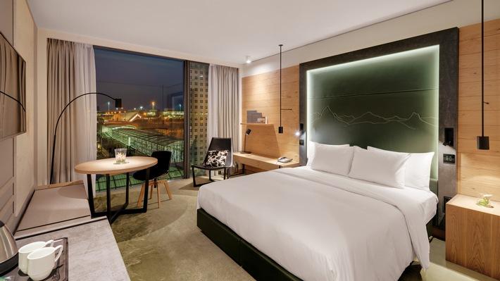 Hilton Munich Airport Hotel feiert Hotelerweiterung mit neuem Design und 162 zusätzlichen Zimmern