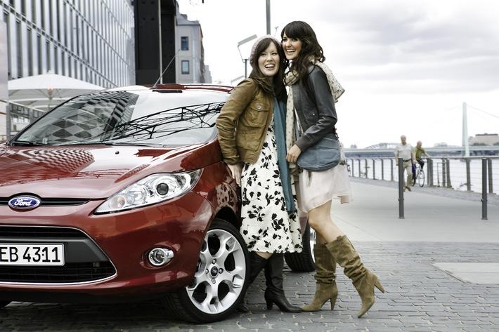 """Bester Freund und beste Freundin sind Beziehungsratgeber Nummer 1 / Ford veröffentlicht """"Love Report"""" zur Markteinführung des neuen Ford Fiesta"""