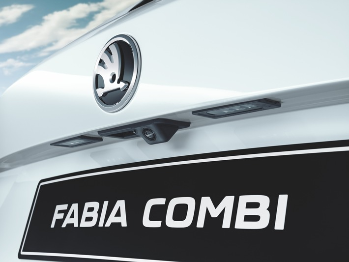 SKODA Fabia jetzt mit adaptivem Abstandsassistenten und Rückfahrkamera erhältlich