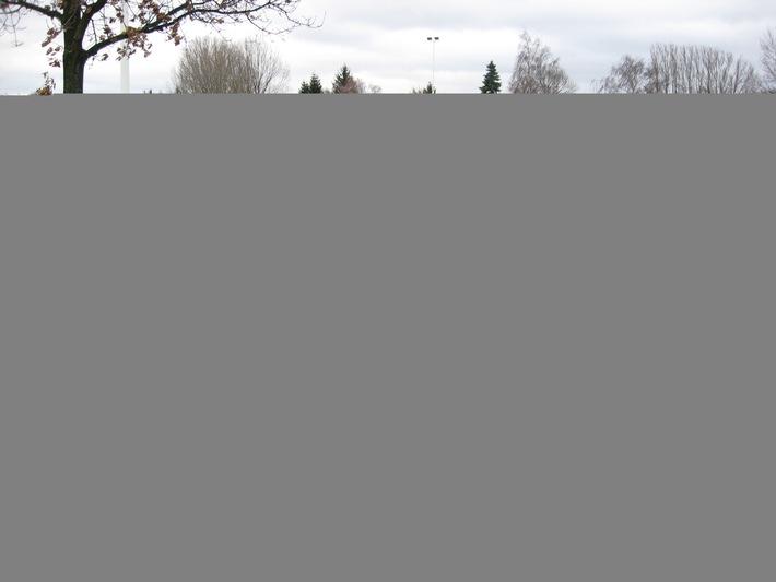 POL-HI: Randalierer auf dem Gronauer Sportplatz