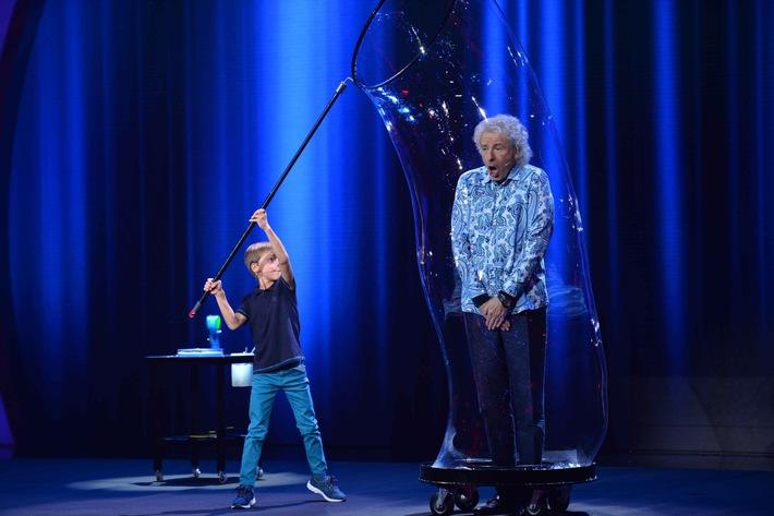"""Thomas Gottschalk: """"Manchmal war ich überrascht, wie weit mir die Kinder geistig voraus waren"""" - die neue SAT.1-Show """"Little Big Stars"""" ab Sonntag, 23. April 2017"""