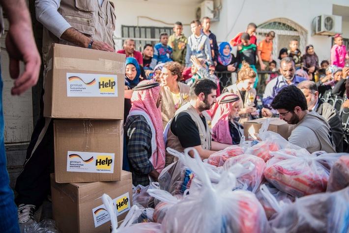 """Jordanien: """"Flüchtlinge leben von der Hand in den Mund"""" / Help versorgt syrische Flüchtlingsfamilien und Gastgemeinden in den harten Wintermonaten"""