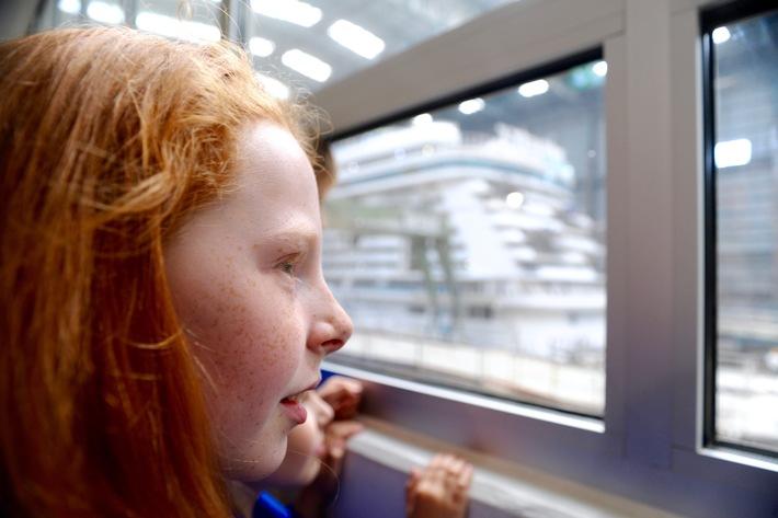 Besucherzentrum der Meyer Werft startet erstmalig Familienprogramm / Kinder kommen Ozeanriesen sonntags ganz nah