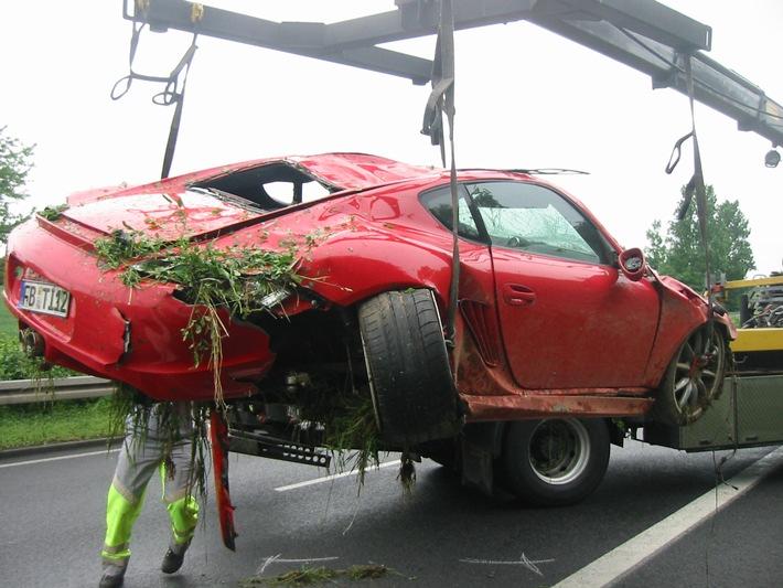 POL-F: 070518 - 0574 Bundesstraße 3: Schwerer Verkehrsunfall
