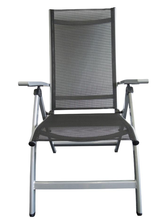 La Migros invita i clienti a restituire la sedia con braccioli Sevilla con schienale regolabile